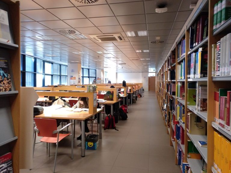 Horario extraordinario de exámenes: La Biblioteca UCH de Castellón amplía su horario