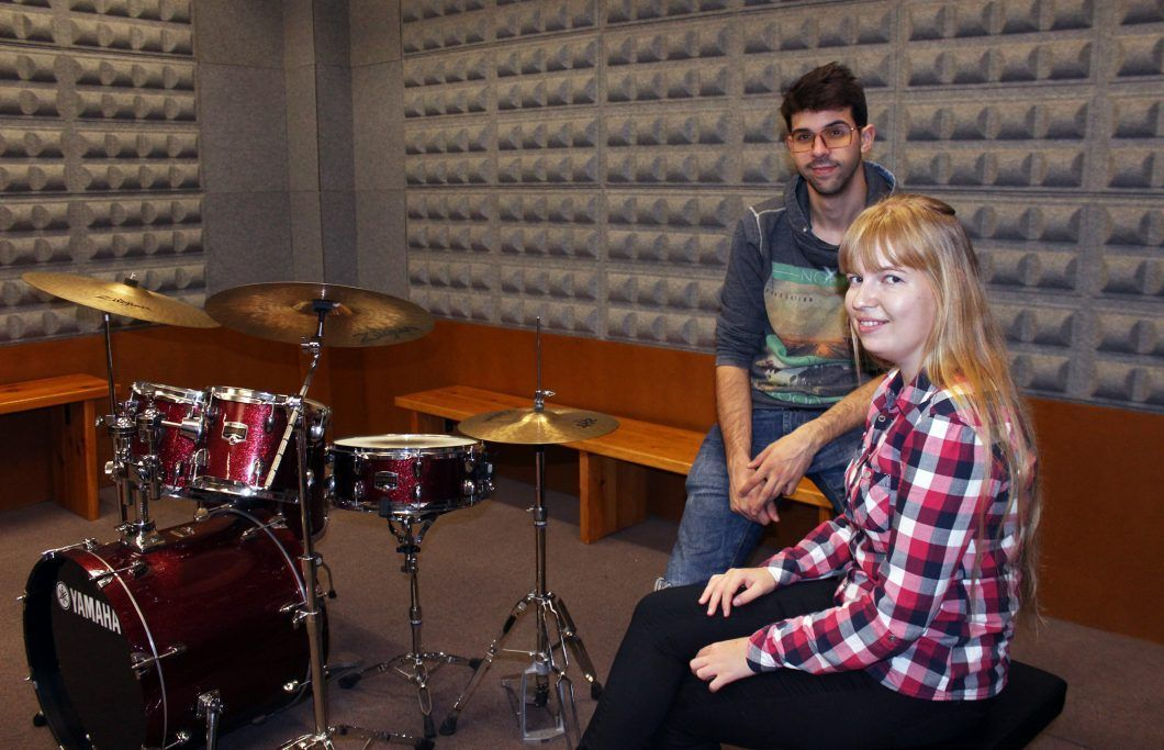 Anastasiya with Jesús, a fellow participant in the CEU Band jam sessions.