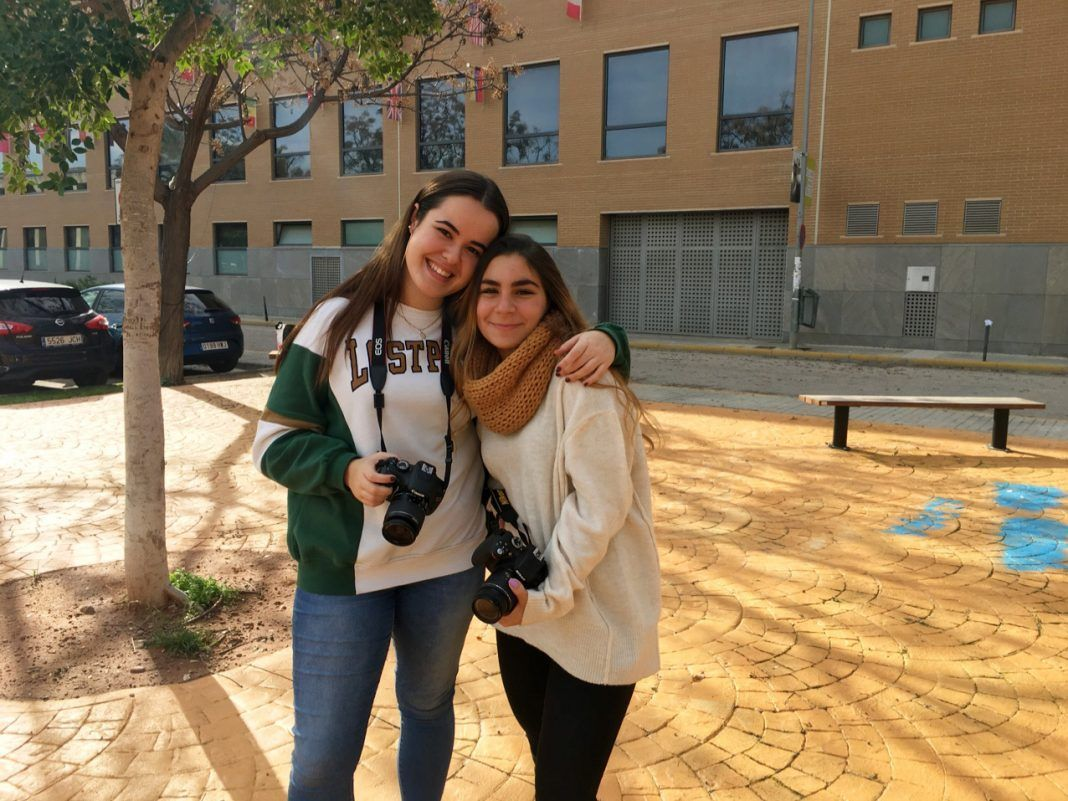 Eva and Luna are very happy with the creative experience at CEU Photo