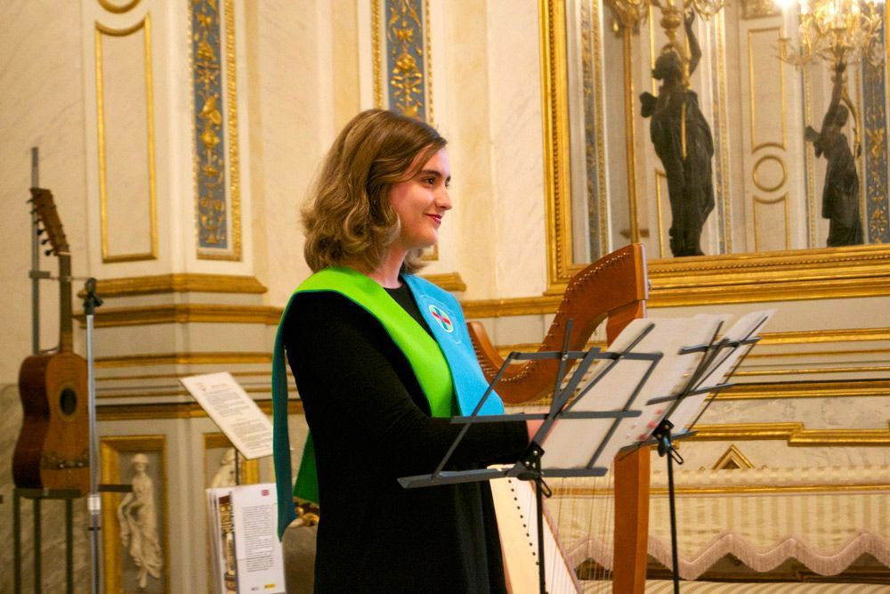 Marta Salcedo, a soprano in CEU Orfeón, studies Audiovisual Communication