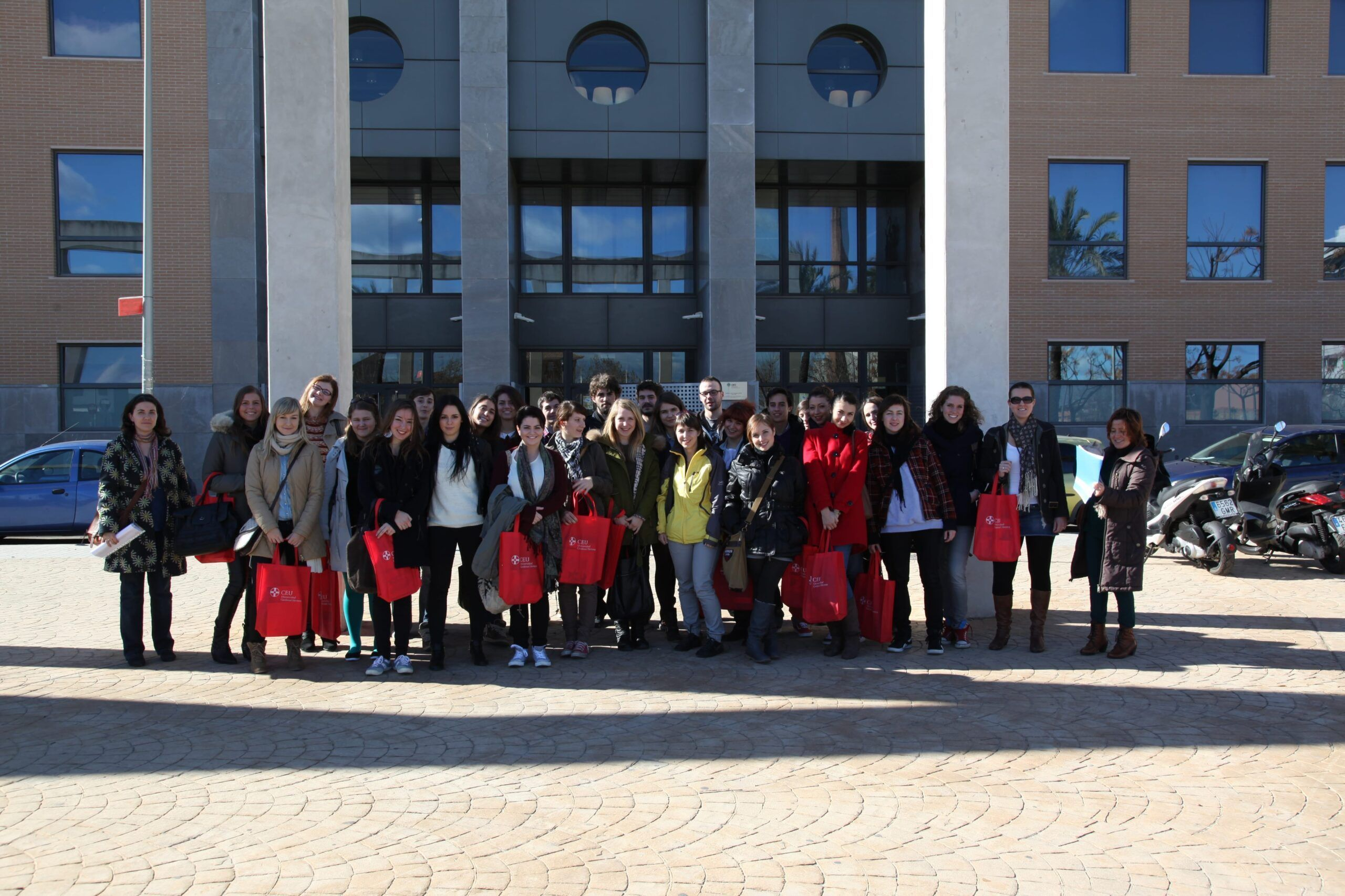 Is a tradition. We make the picture to the erasmus group during the welcome day!