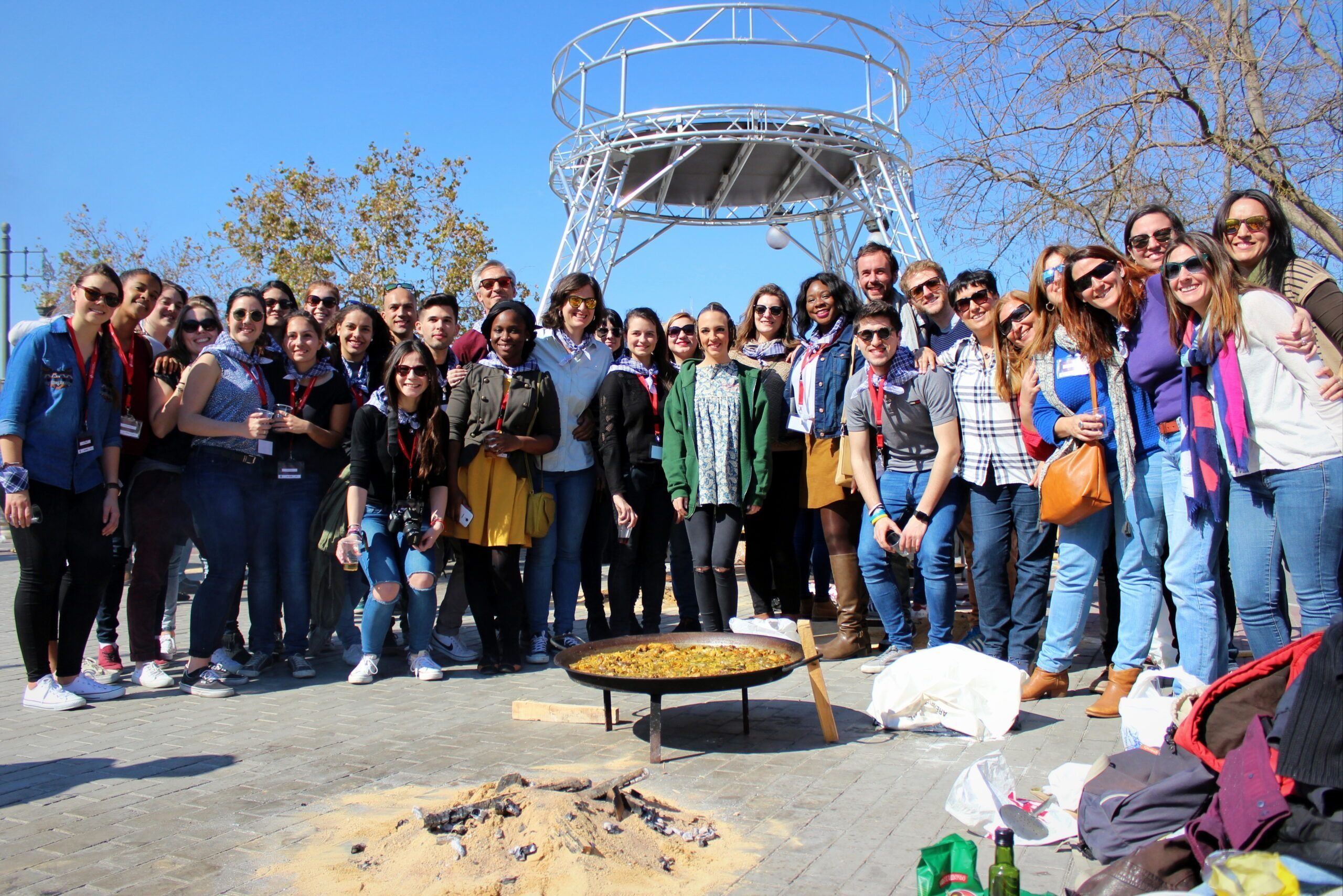 Our international students and their friends from Falla Na Jordana!