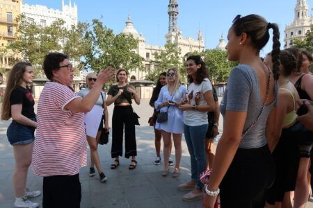 Get to know the tour guide
