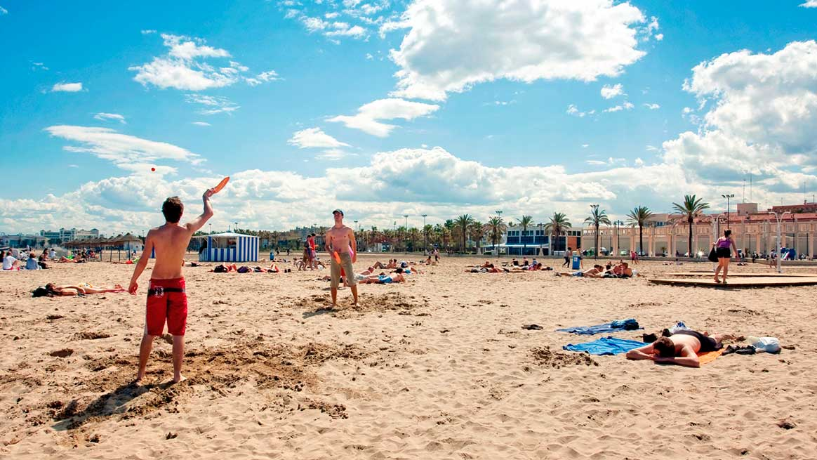 Are you looking for beaches with an atmosphere? Valencia is the perfect match for you!