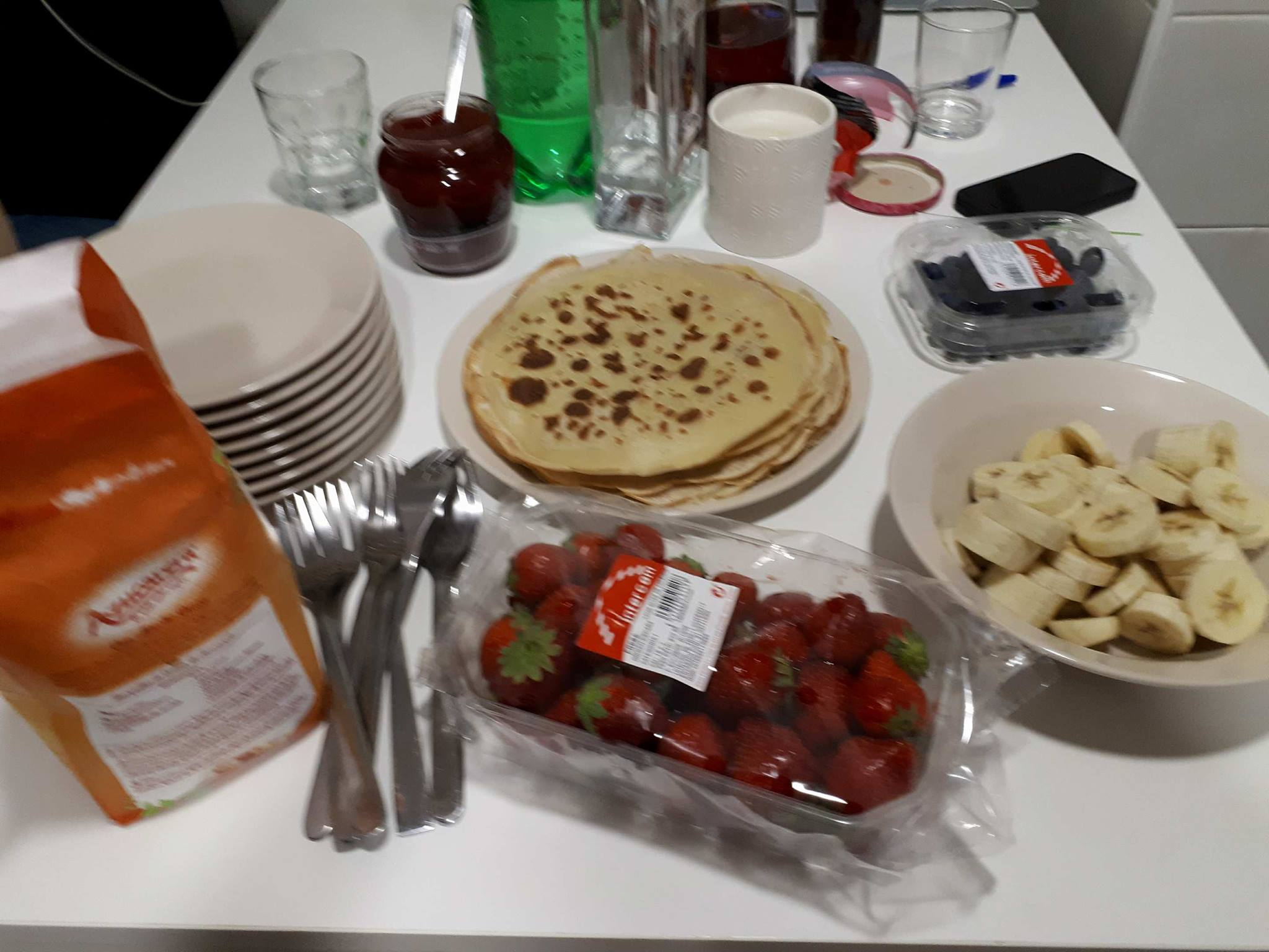 Food brings people closer. This is French crêpe and we loved it.