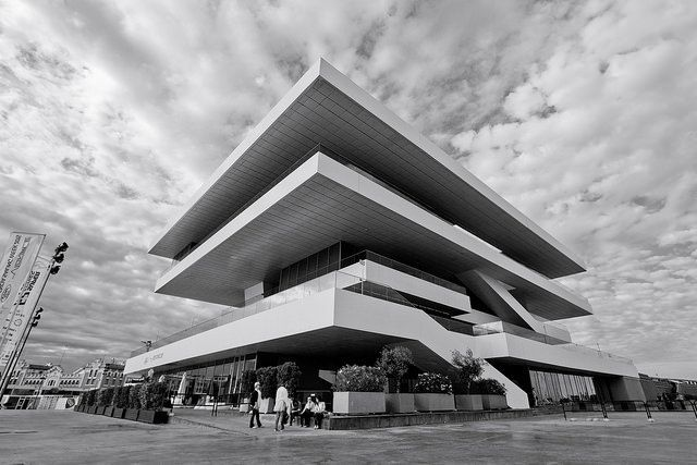 Veles e Vents, one of the significant buildings in the Port, created originally for the America's Cup. Photo source.