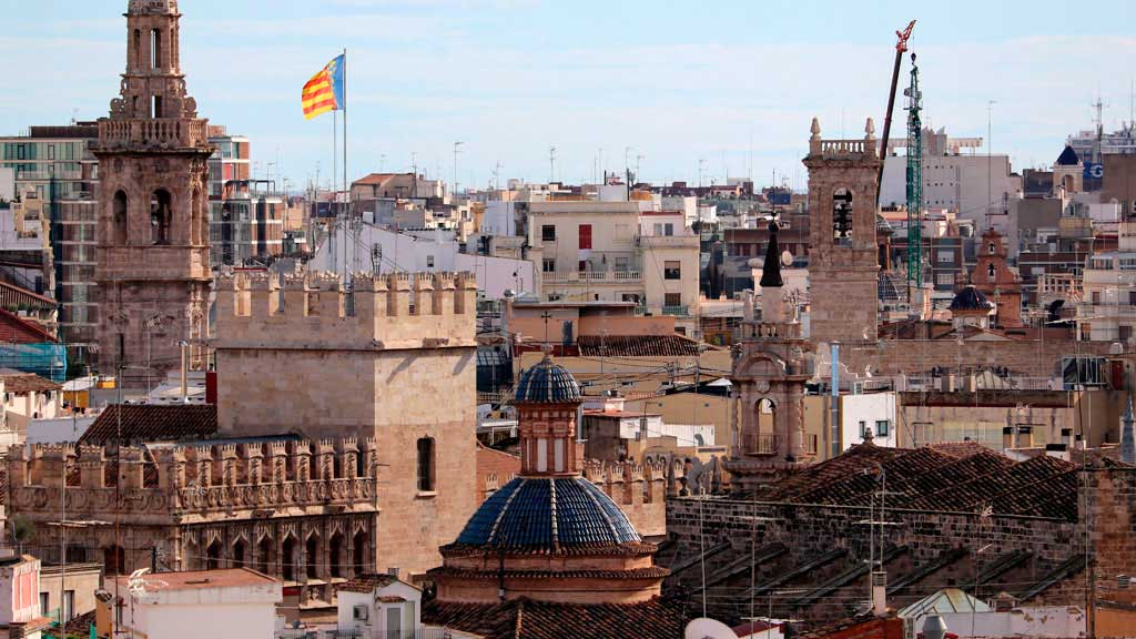Valencia, a city with over 2000 years of history (and 320 sunny days every year!)