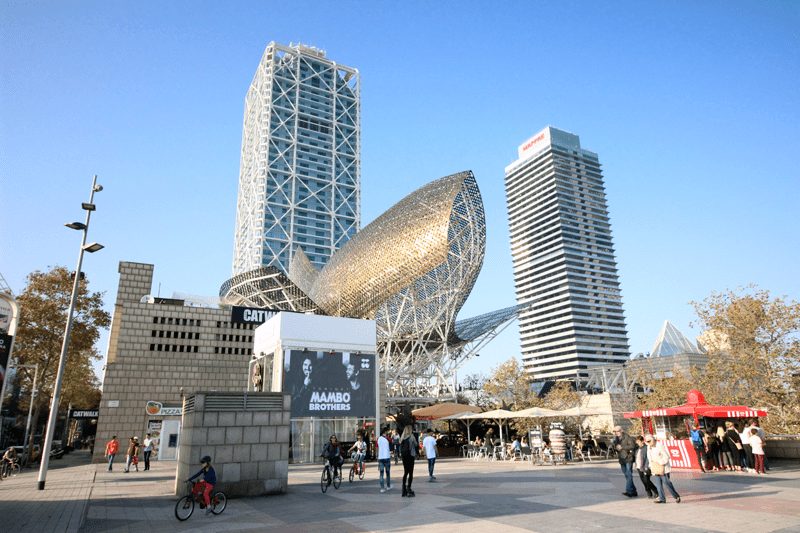At the Olympic Port you can find Frank Gehry's golden fish statue El Peix.