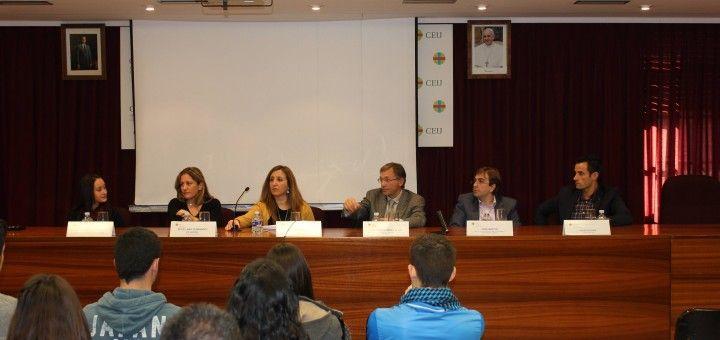 De izquierda a derecha: Dra. Carla Castellano; Dra. María del Mar Fernández; Dra. Arlinda Luzi, Dr. Enrique Llobell; D. José Martín; Dr. Diego Peydró