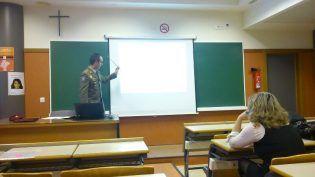 Comandante de infanteria responde a las preguntas de los alumnos de CCPP