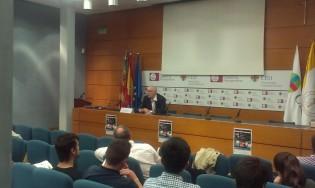 El Prof. Miguel Catalán presentando Farenheit 451