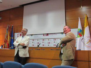 Prof. Jesús de la Llave y el Director de Departamento de Ciencia Política, Hugo Aznar, despiden el Ciclo.