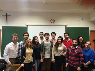 Edgar Moscardó, SPQ, en clase con los alumnos de 4º de Ciencias Políticas