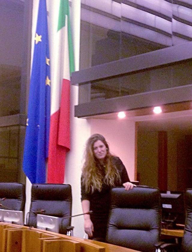Rosa Estevan en el Asamblea Legislativa