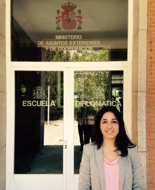 Patricia Roldán, ex-student of Political Sciences, in the Diplomatic School