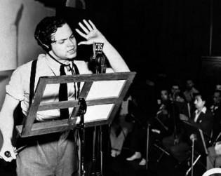 El-30-de-octubre-de-1938-Orson-Welles-provoco-el-panico-con-la-emision-de-La-Guerra-de-los-Mundos-kellimarshall