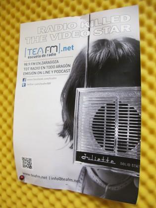 Un cartel que anuncia la muerte de la radio a manos del vídeo, en TEA RAdio