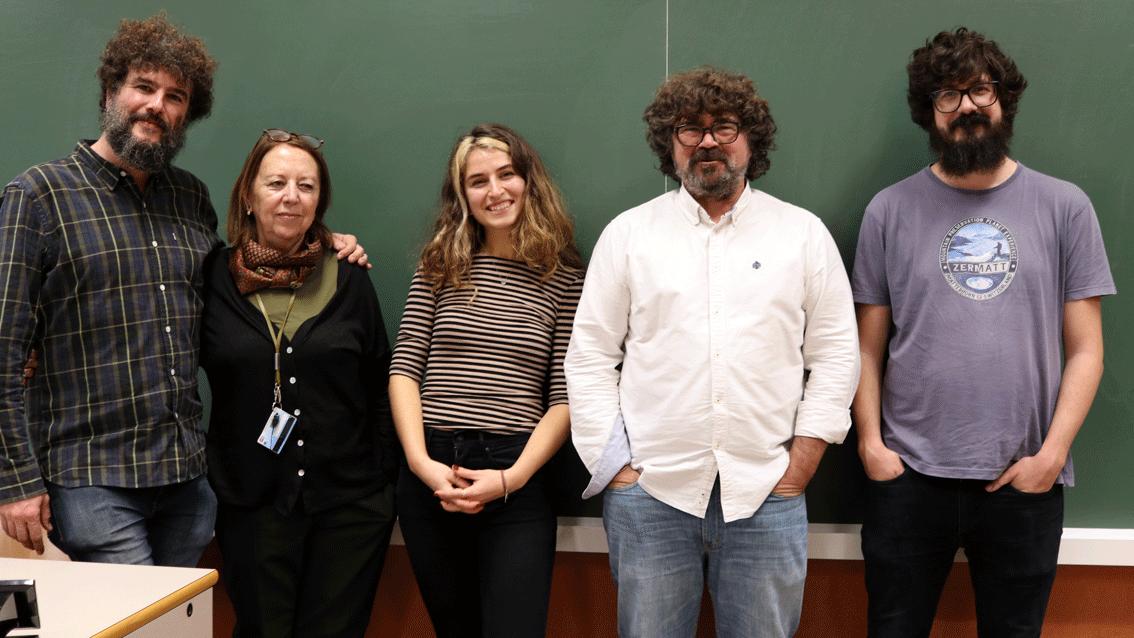 A photo of alumni of Communication and professors.
