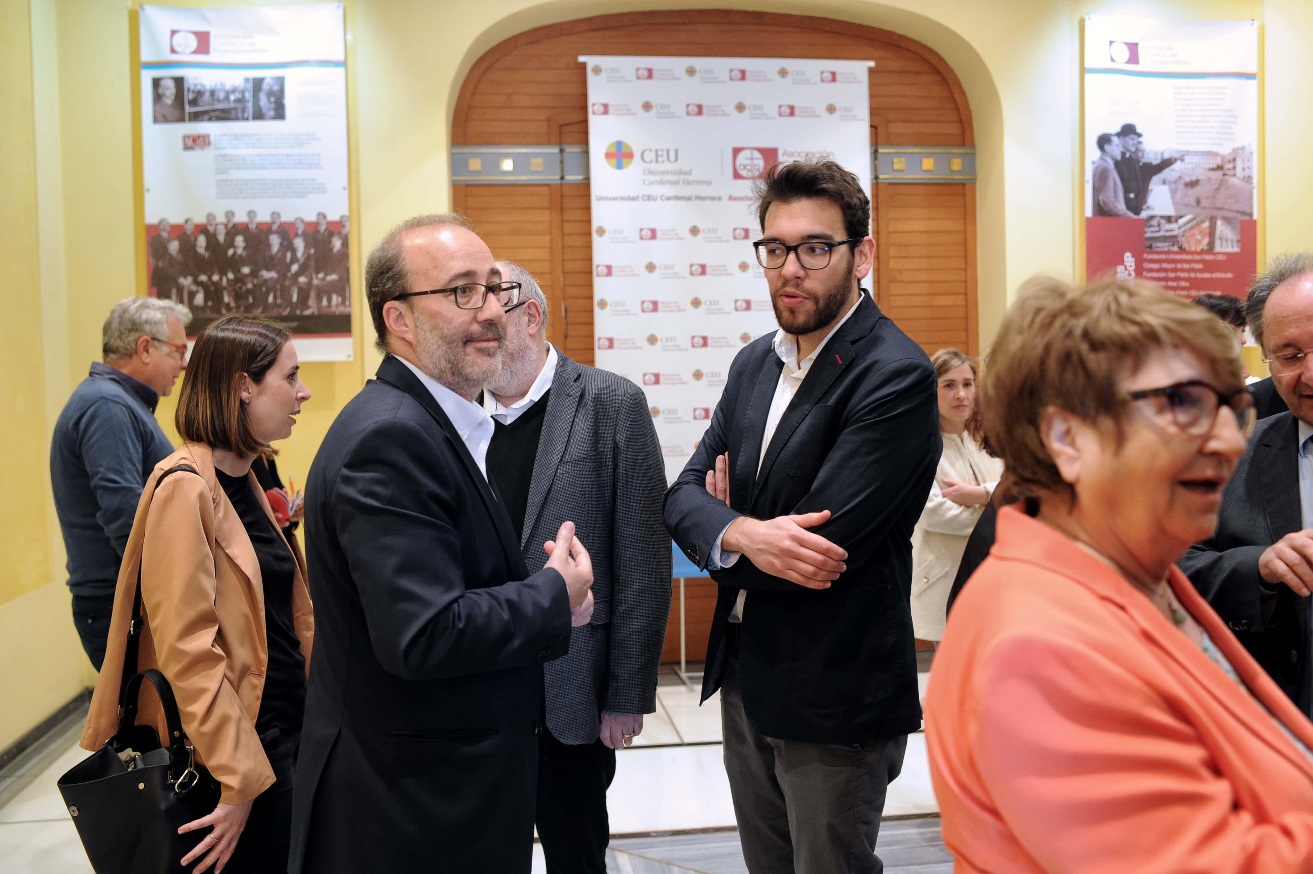 la-ceu-uch-y-la-autnoma-de-barcelona-premian-a-los-ayuntamientos-de-valencia-alzira-elche-y-castelln-por-la-transparencia-de-sus-webs-municipales_47592125451_o