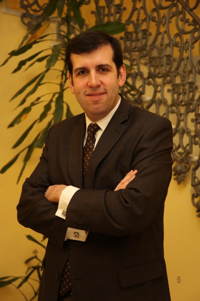 J. Marco, Decano CEU UCH