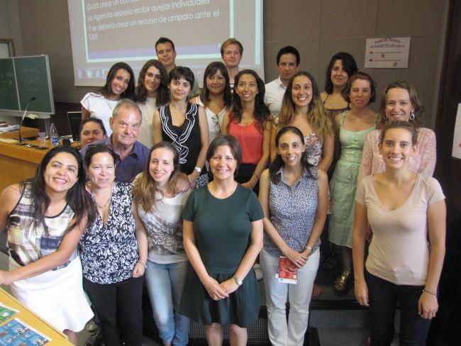 Susana Sanz junto a algunos de los partipantes de la 46ª Sesión del IIDH
