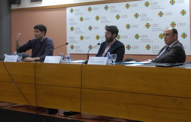 Julián Ríos, Javier García y Gabriel Gerez, en el encuentro sobre Justicia Restaurativa celebrado en la CEU-UCH