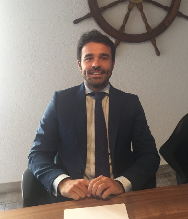 Tomás Viña Almunia, Notario y alumni de la CEU-UCH