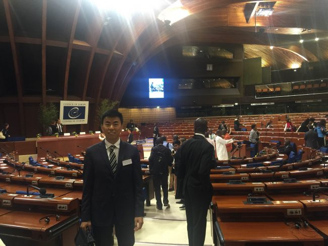 Zitan Peng, en el Consejo de Europa, Estrasburgo