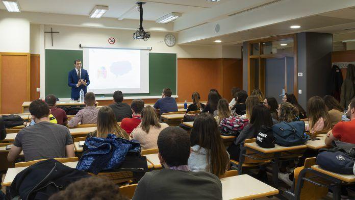 Intervención de Rafael Triviño Vázquez en el aula.