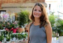 Denise, estudiante de Dirección de Empresas