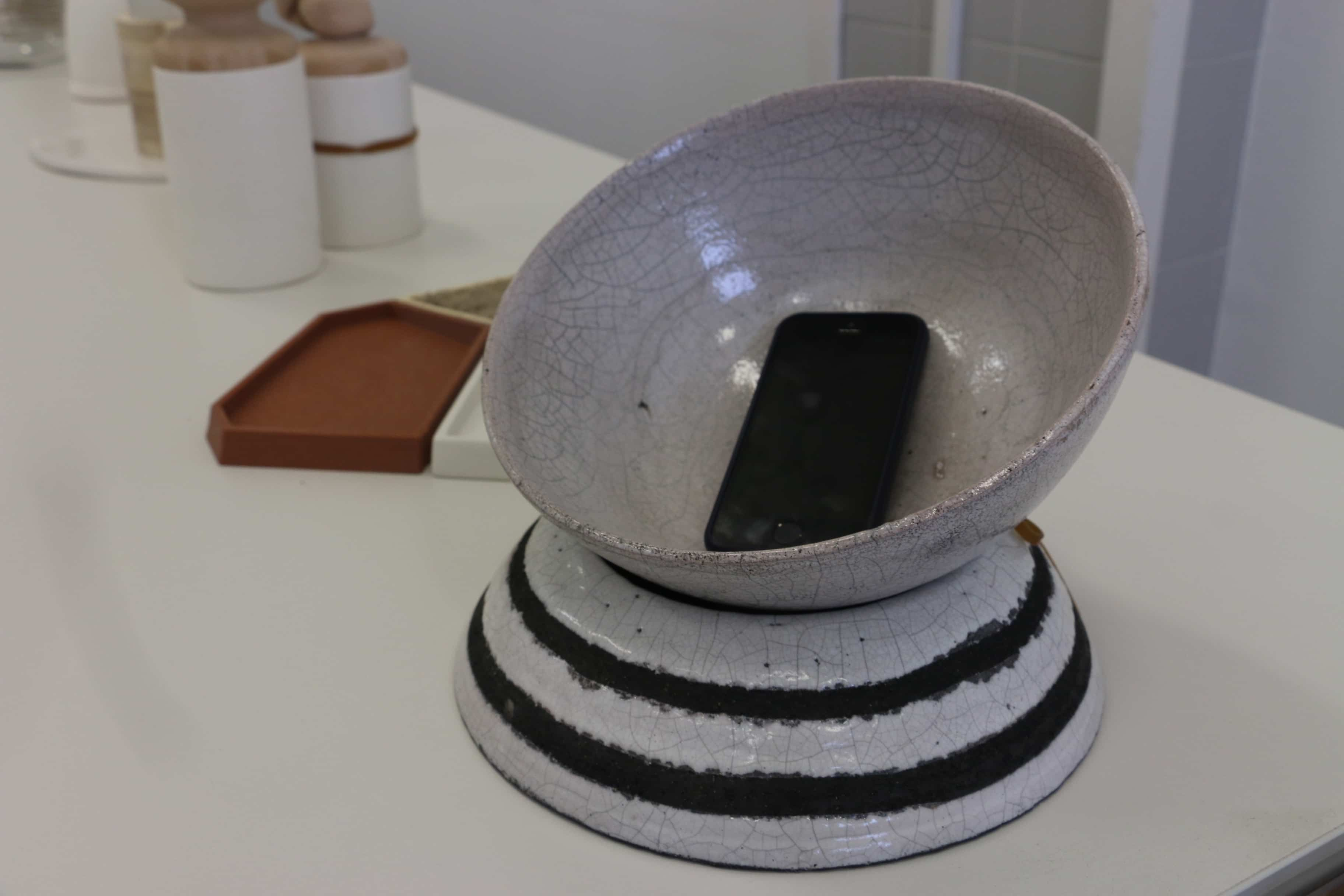 smartphone y cerámica