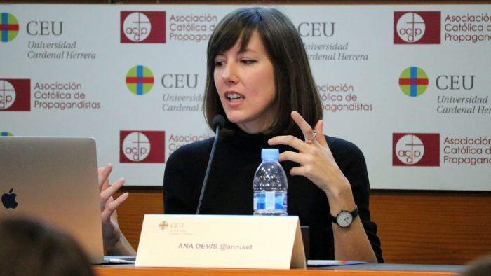 Anna Devís en CEU Valencia