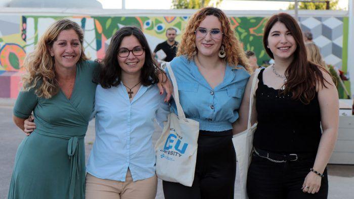 Estudiantes de Diseño en la ESET