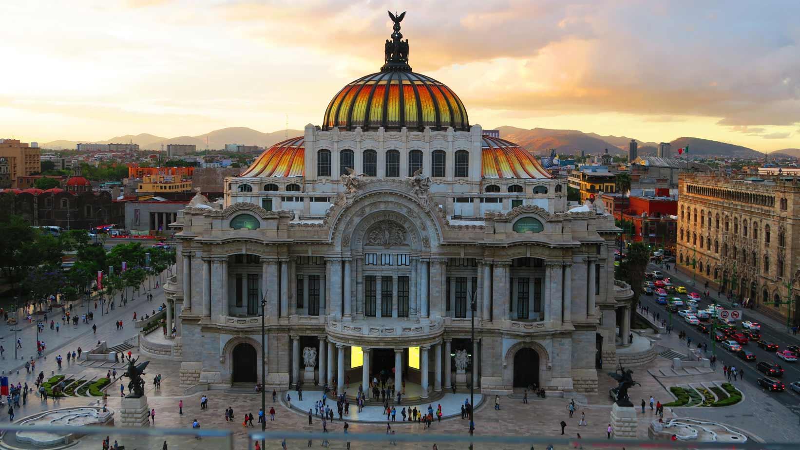 Edificio Bellas Artes in central Mexico