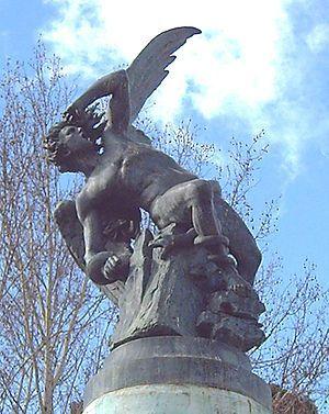 El Ángel Caído de R. Bellver 1877 (Parque del Retiro de Madrid, Spain).