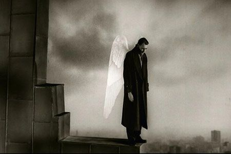 """Imagen de """"El cielo sobre Berlín"""" película dirigida por Wim Wenders"""