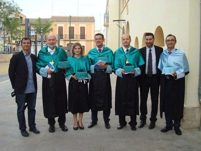 Profesores-de-Fisioterapia-y-autoridades-del-ICOFCV-en-la-apertura-del-curso-2014-2015-2