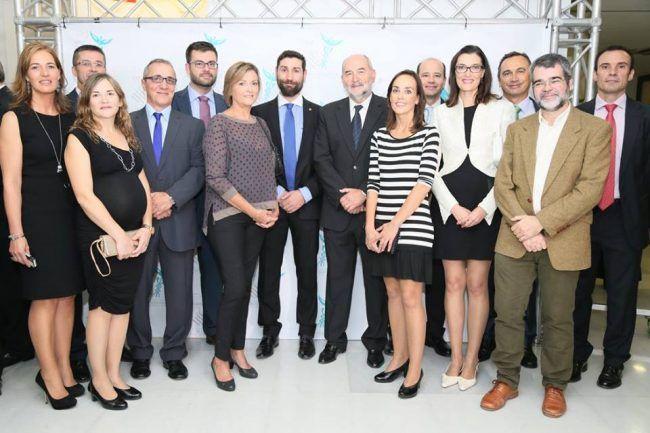 La comunidad CEU-UCH presente en la Gala de la Fisioterapia, con el decano del ICOFCV, Josep Benítez