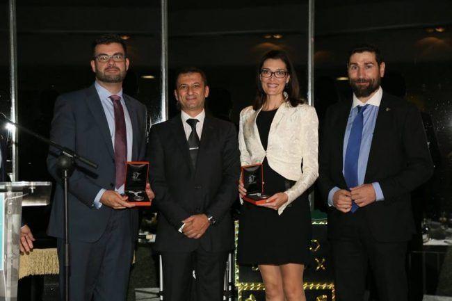 Los doctores Amer y Arguisuelas recibiendo sus premios en la Gala de la Fisioterapia