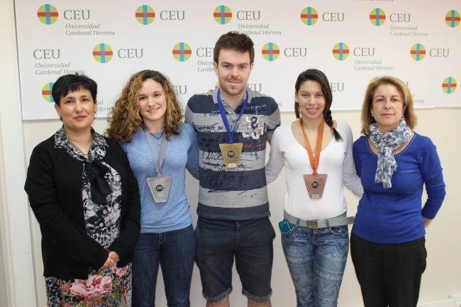 Robin Haon, en el centro, oro en esgrima en los últimos CADU