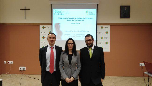 La nueva doctora Gemma Biviá, junto a sus directores de tesis, Juanfran Lisón y Daniel Sánchez