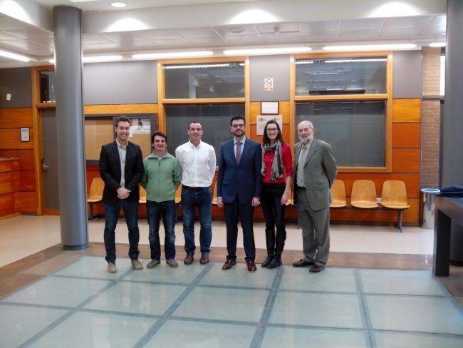 Varios profesores arroparon a Juanjo Amer en su defensa de la plaza de profesor agregado
