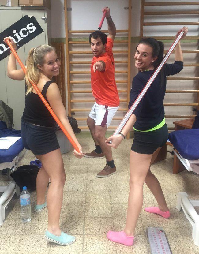 Nuestros alumnos del Máster de Fisioterapia Deportiva durante una práctica.