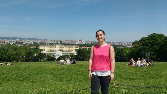Lucía disfrutando de las maravillosas vistas de Viena