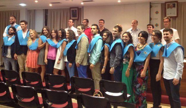 Alumnos y profesores del Master en Fisioterapia del Deporte 2015-16 de la CEU-UCH celebran el fin de curso
