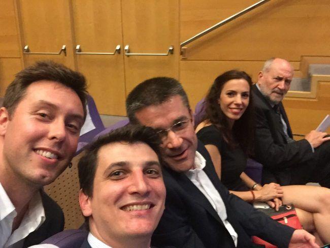 Los profesores Benavent, Salvador, Gramage, Biviá y Rosado atentos a la Graduación de Fisioterapia