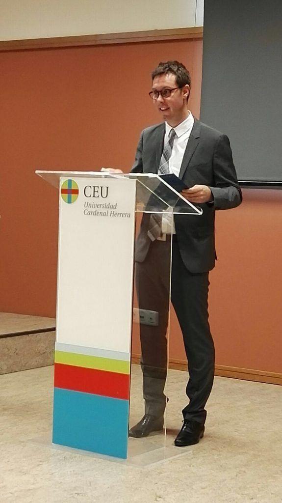 Vicent Benavent durante la lectura de su tesis doctoral