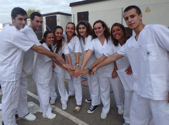 Estudiantes de 2º de Grado de Fisioterapia.