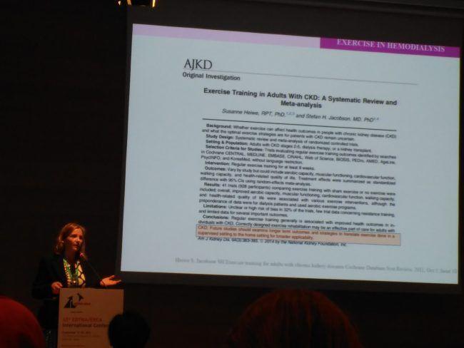 La profesora Eva Segura durante su ponencia