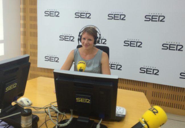 Claudia Zilkens en la cadena SER de Valencia